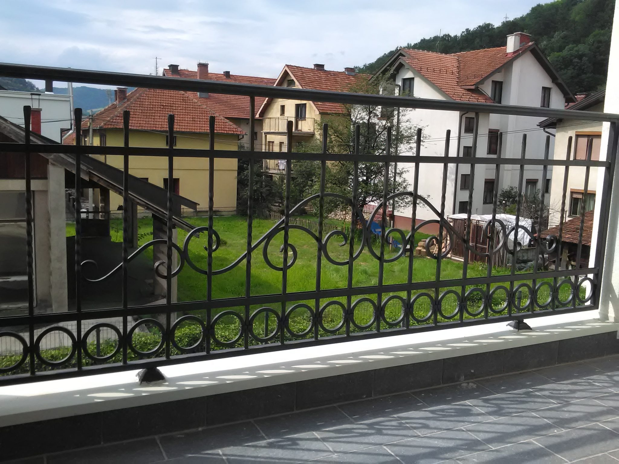 Ograda za dvoriste